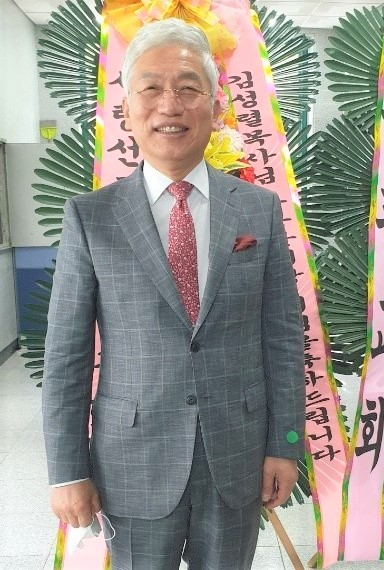 김성렬 목사.jpg