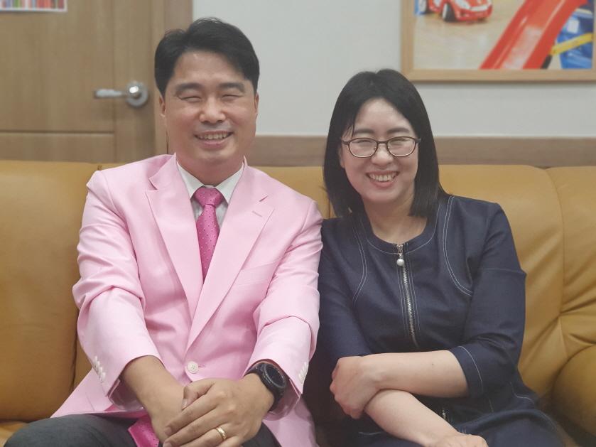 크기변환_홍융희목사부부.jpg